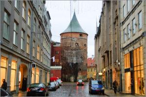 Латвия, Рига. Фото пороховой башни