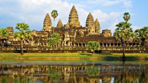 Индуистский храмовый комплекс Ангкор-Ват, главная достопримечательность Камбоджи
