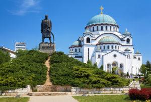 Памятник Карагеоргию на фоне Храма Святого Саввы, Белград