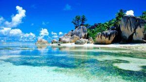 Уникальная природа Сейшельских Островов создает идеальные условия для пляжного отдыха