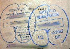 Такую отметку в паспорт ставят в аэропорту