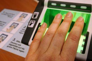 Отпечатки пальцев.