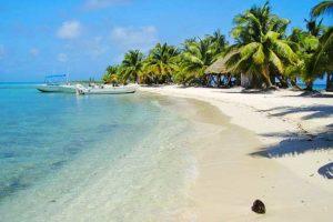 Пляжи Белиза идеальны для отдыха, туристическая сфера активно развивается