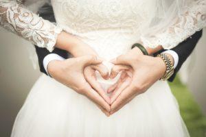 Брачный союз часто дает право на второй паспорт