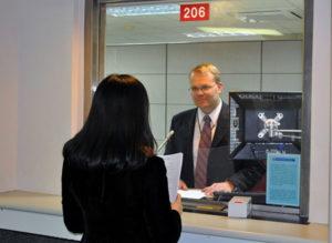 Собеседование в посольстве США.