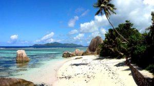 Природа и пляжи Малайзии притягивают многих, в том числе и пенсионеров