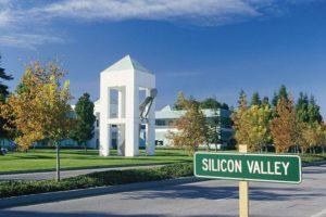 Знаменитая силиконовая долина - здесь находят себя IT-специалисты со всего мира