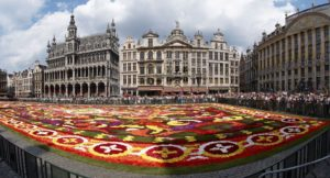 Брюссель (центральная площадь Гран Палас) - столица Бельгии.