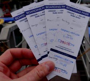Билеты в обаконца - это подтверждение, что вы легально въезжаете в страну и не собираетесь превысить допустимые сроки пребывания.