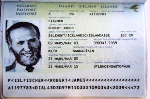 Паспорт гражданина Исландии (образец)
