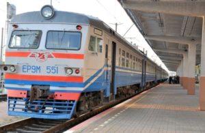 Электричка - оптимальный способ добраться до Жулян с вокзала