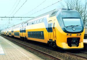 Поезд Эйндховен - Амстердам.