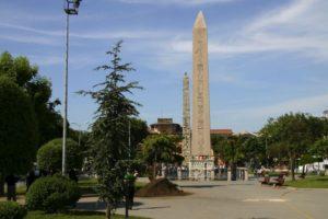 Египетский обелиск (обелиск Феодосия) в Стамбуле