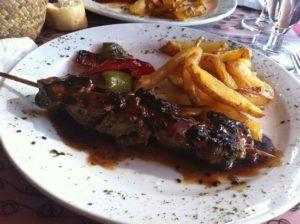 Рулет из телятины с соусом терияки в ресторане Mabel The Granja в Барселоне