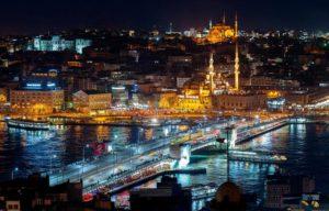 Галатский мост в Стамбуле на Новый год