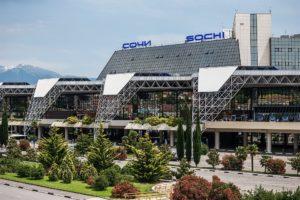 Как доехать из аэропорта Сочи в город и курортные поселки?