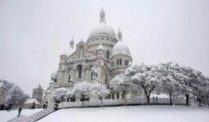 Базилика Сакре Кер на Новый год в Париже