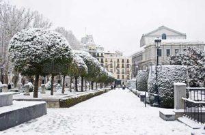 Снег в Мадриде - редкое явление,  случается раз в несколько лет.