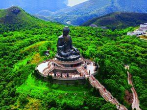 Статуя Будды на острове Лантау в Гонконге