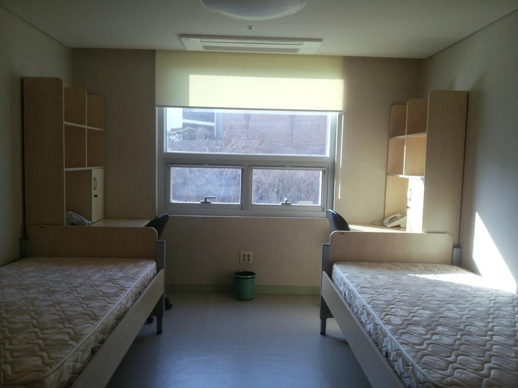 Комнаты в студенческом общежитии фото